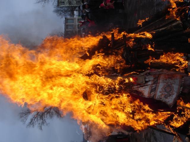 Сожжение Масленицы в Крестцах